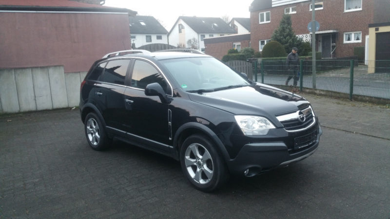 verkauft opel antara cosmo 4x4 klima t gebraucht 2007 km in bochum. Black Bedroom Furniture Sets. Home Design Ideas
