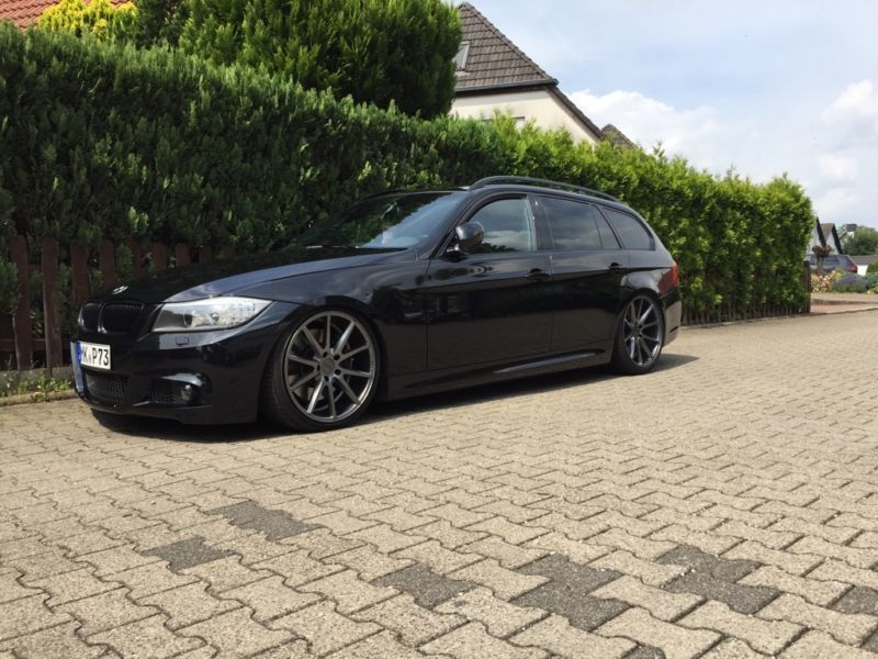 verkauft bmw 335 ia touring gebraucht 2010 km in heilbronn. Black Bedroom Furniture Sets. Home Design Ideas