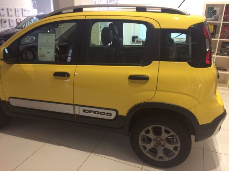 verkauft fiat panda cross newcross 4x4 gebraucht 2015 1 km in freiberg. Black Bedroom Furniture Sets. Home Design Ideas
