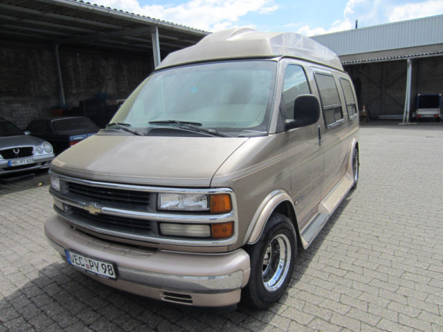 verkauft gmc savana g20 van automatik gebraucht 1996 km in bremen. Black Bedroom Furniture Sets. Home Design Ideas