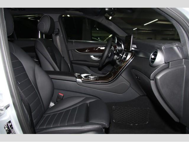 verkauft mercedes e250 glc d 4matic na gebraucht 2015 km in regensburg. Black Bedroom Furniture Sets. Home Design Ideas