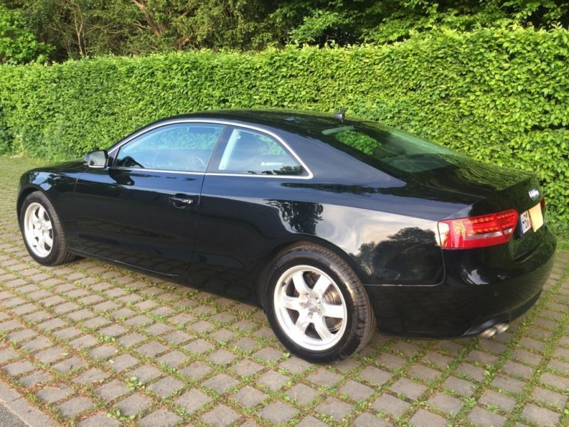 verkauft audi a5 2 0 tdi dpf gebraucht 2009 km. Black Bedroom Furniture Sets. Home Design Ideas