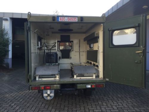 verkauft mercedes g250 koffer 4x4 kran gebraucht 1994 km in berlin. Black Bedroom Furniture Sets. Home Design Ideas