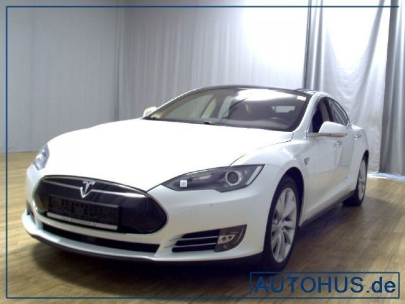 verkauft tesla model s 85 leder navi p gebraucht 2014. Black Bedroom Furniture Sets. Home Design Ideas
