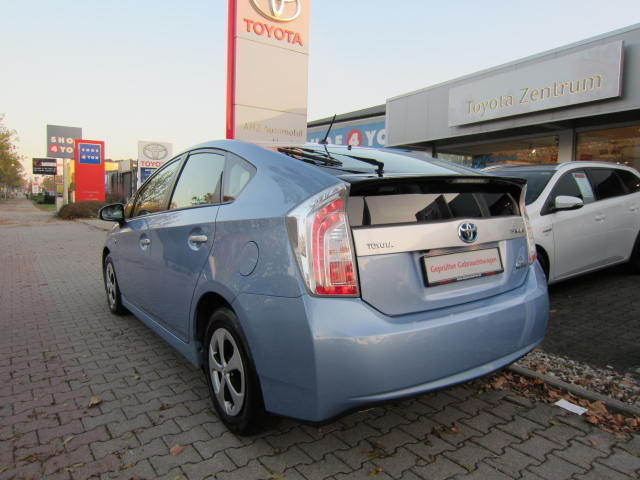 prius plug in hybrid gebrauchte toyota prius plug in. Black Bedroom Furniture Sets. Home Design Ideas