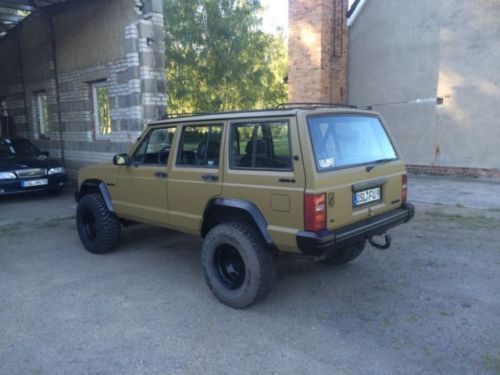 verkauft jeep cherokee 4 0 gebraucht 1989 km in senftenberg. Black Bedroom Furniture Sets. Home Design Ideas
