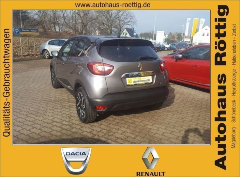 verkauft renault captur zen tce 90 nav gebraucht 2015 km in pleinfeld. Black Bedroom Furniture Sets. Home Design Ideas