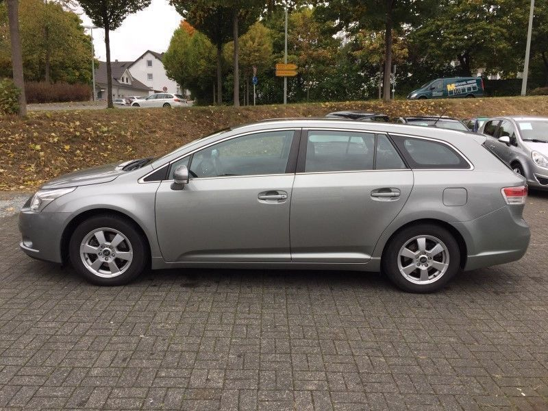 verkauft toyota avensis combi 1 8 exec gebraucht 2010 km in gumtow. Black Bedroom Furniture Sets. Home Design Ideas