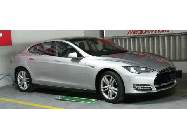 model s gebrauchte tesla model s kaufen 114 g nstige autos zum verkauf. Black Bedroom Furniture Sets. Home Design Ideas