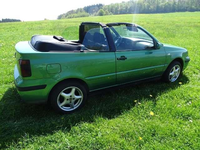 verkauft vw golf cabriolet cabrio 2 0 gebraucht 2002 km in waldbr l. Black Bedroom Furniture Sets. Home Design Ideas