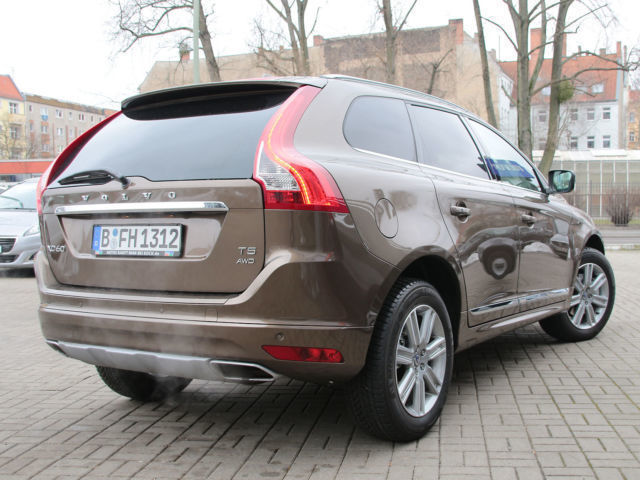 verkauft volvo xc60 t5 geartronic mome gebraucht 2016 km in harztor. Black Bedroom Furniture Sets. Home Design Ideas