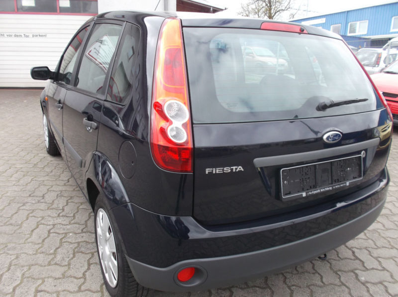 verkauft ford fiesta 1 3 ambiente t v gebraucht 2006 km in schwentinental. Black Bedroom Furniture Sets. Home Design Ideas