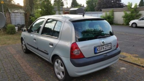 verkauft renault clio 1 2 16v gebraucht 2003 km in k ln porz. Black Bedroom Furniture Sets. Home Design Ideas