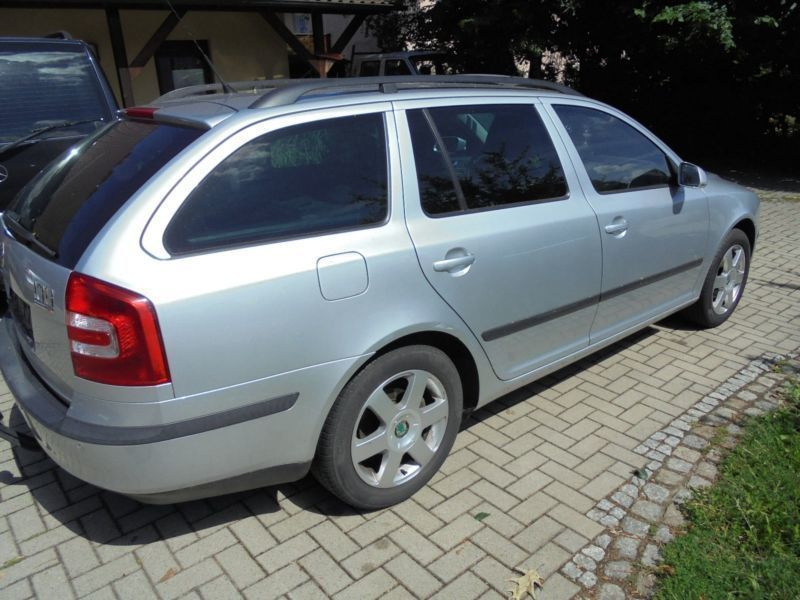 verkauft skoda octavia combi elegance gebraucht 2008 km in kalletal. Black Bedroom Furniture Sets. Home Design Ideas