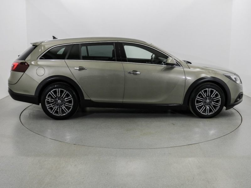 verkauft opel insignia country tourer gebraucht 2014 km in meppen. Black Bedroom Furniture Sets. Home Design Ideas