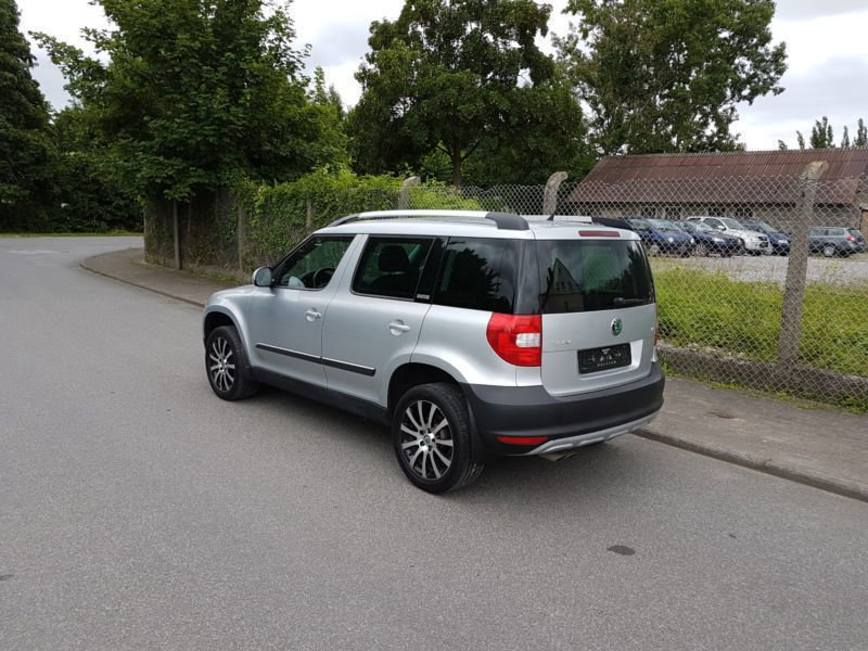 verkauft skoda yeti 2 0 tdi dsg 4x4 el gebraucht 2013. Black Bedroom Furniture Sets. Home Design Ideas