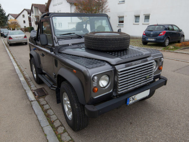 verkauft land rover defender 90 soft t gebraucht 2006 km in friedrichshafen. Black Bedroom Furniture Sets. Home Design Ideas