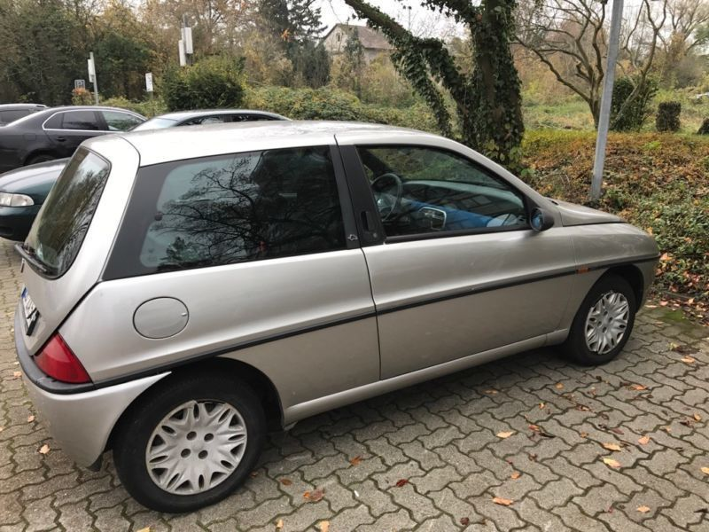 verkauft lancia ypsilon 1 2 gebraucht 1999 km in germersheim. Black Bedroom Furniture Sets. Home Design Ideas