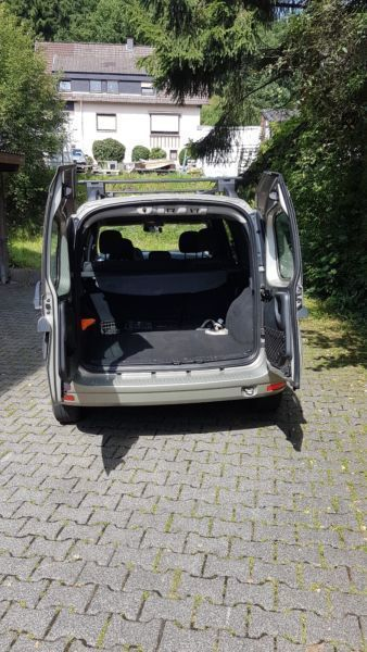 verkauft dacia logan 1 5 dtci kasten l gebraucht 2011 km in neuss. Black Bedroom Furniture Sets. Home Design Ideas