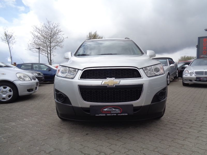 verkauft chevrolet captiva 2 4 2wd 5 s gebraucht 2012 km in neum nster. Black Bedroom Furniture Sets. Home Design Ideas