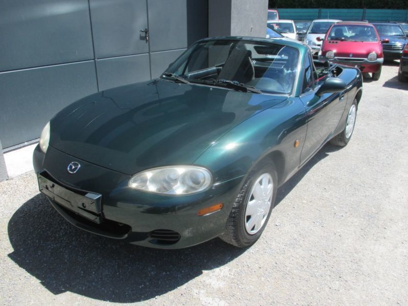 verkauft mazda mx5 16v gebraucht 2001 km in malsch. Black Bedroom Furniture Sets. Home Design Ideas