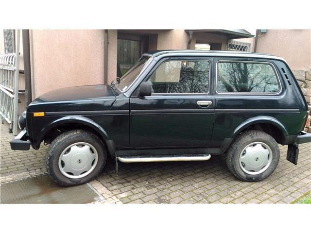 gebraucht 4x4 only ahk servolenkung erst 30000 k lada niva 2013 km in dresden. Black Bedroom Furniture Sets. Home Design Ideas