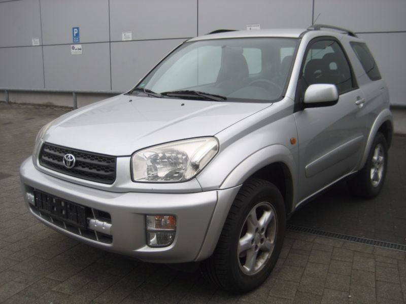 verkauft toyota rav4 4x4 klima euro4 l gebraucht 2001 km in lippstadt. Black Bedroom Furniture Sets. Home Design Ideas