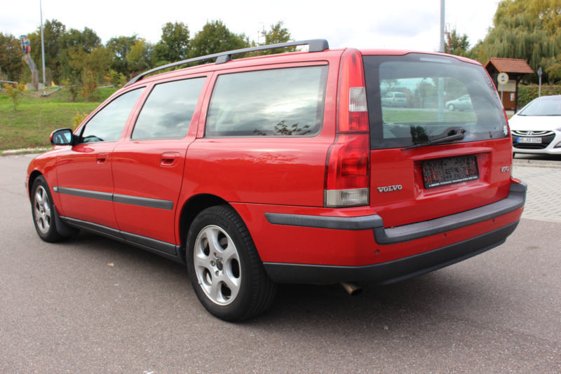 verkauft volvo v70 kombi 2 4 d gebraucht 2002 km in potsdam. Black Bedroom Furniture Sets. Home Design Ideas
