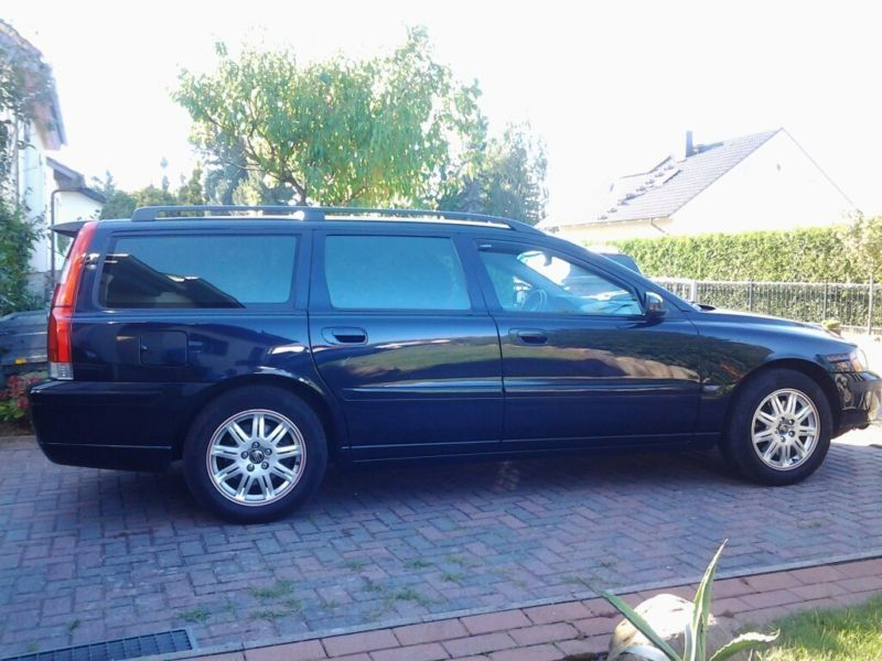 verkauft volvo v70 2 4 gebraucht 2005 km in ludwigsburg. Black Bedroom Furniture Sets. Home Design Ideas