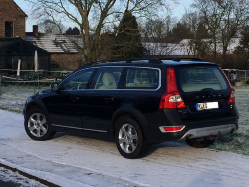 verkauft volvo xc70 d5 awd summum gebraucht 2010. Black Bedroom Furniture Sets. Home Design Ideas