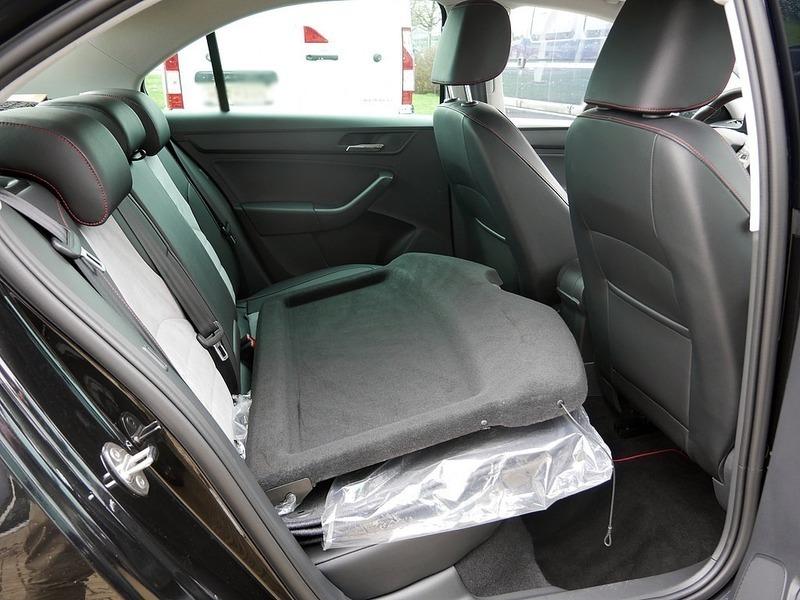 verkauft seat toledo 1 2 tsi style gebraucht 2015 km in goslar. Black Bedroom Furniture Sets. Home Design Ideas