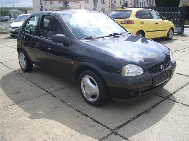 verkauft opel corsa swing automatik gebraucht 1997 km in gera. Black Bedroom Furniture Sets. Home Design Ideas