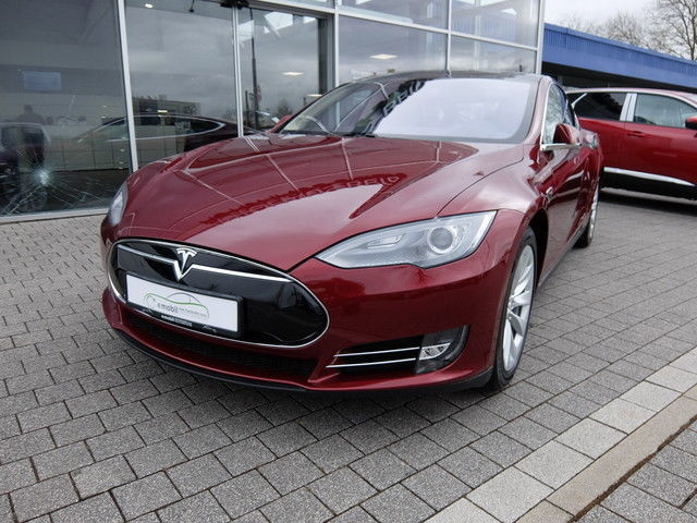 verkauft tesla model s p85 39 signature 39 gebraucht 2013. Black Bedroom Furniture Sets. Home Design Ideas