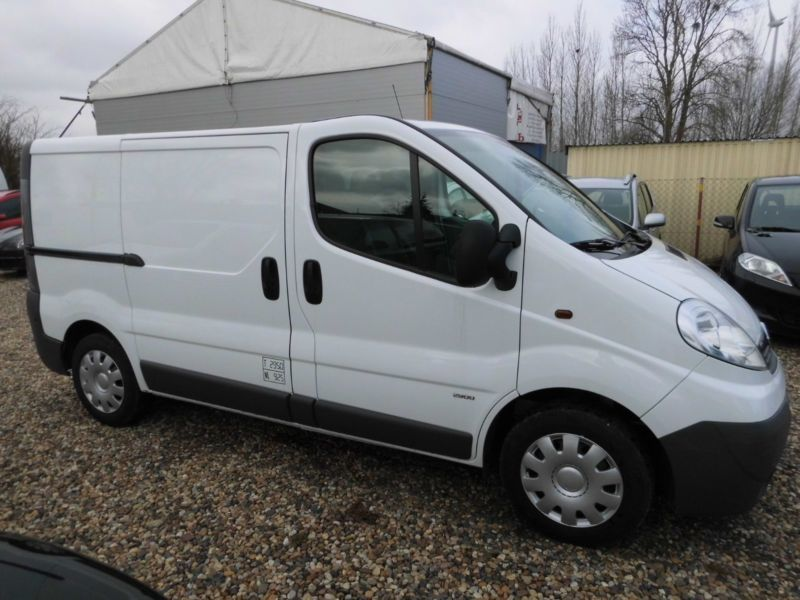 verkauft opel vivaro 2 0 cdti lkw gebraucht 2011 km in brieselang ot zee. Black Bedroom Furniture Sets. Home Design Ideas