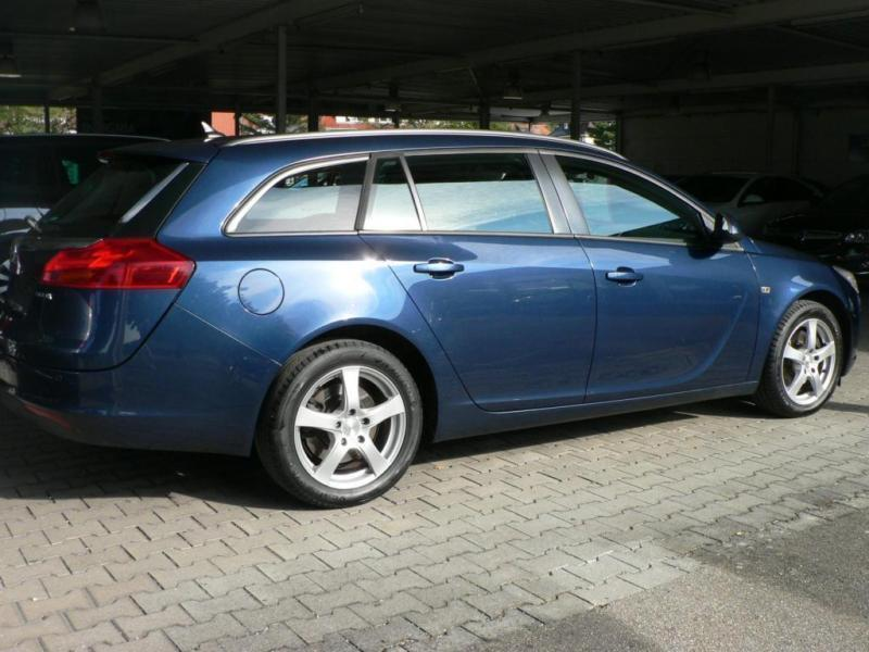verkauft opel insignia 2 0 cdti select gebraucht 2011 km in sigmaringen. Black Bedroom Furniture Sets. Home Design Ideas