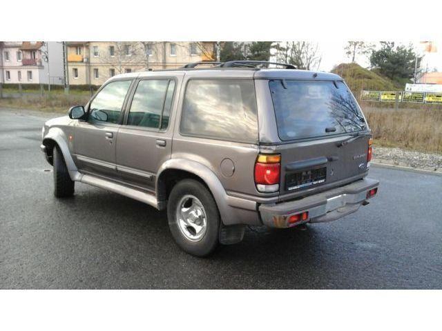 explorer gebrauchte ford explorer kaufen 157 g nstige autos zum verkauf. Black Bedroom Furniture Sets. Home Design Ideas