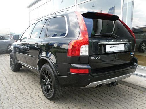verkauft volvo xc90 d5 awd 7sitzer edi gebraucht 2014 km in mengen ennetach. Black Bedroom Furniture Sets. Home Design Ideas
