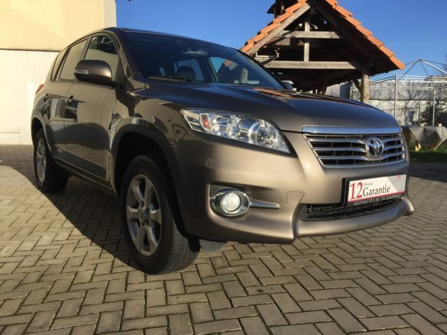 gebraucht executive toyota rav4 2010 km in niedersachsen. Black Bedroom Furniture Sets. Home Design Ideas