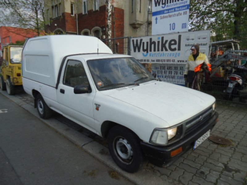 verkauft toyota hilux 2 4d pickup sigl gebraucht 1994 km in berlin niedersch. Black Bedroom Furniture Sets. Home Design Ideas