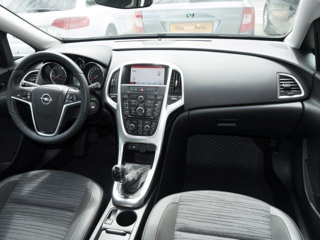 verkauft opel astra 1 4 turbo 120 ps s gebraucht 2014 50 km in magdeburg. Black Bedroom Furniture Sets. Home Design Ideas