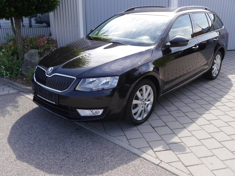 verkauft skoda octavia combi rs gebraucht 2015 50 km in rehlingen. Black Bedroom Furniture Sets. Home Design Ideas