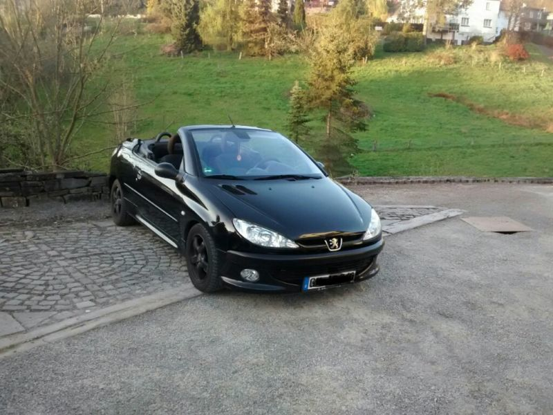 verkauft peugeot 206 cc gebraucht 2003 km in engelskirchen. Black Bedroom Furniture Sets. Home Design Ideas