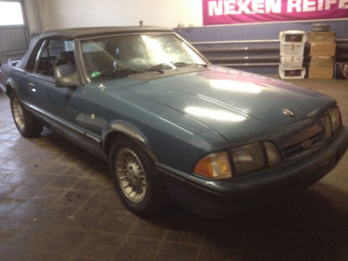 verkauft ford mustang lx cabrio gebraucht 1989 km in lohra. Black Bedroom Furniture Sets. Home Design Ideas
