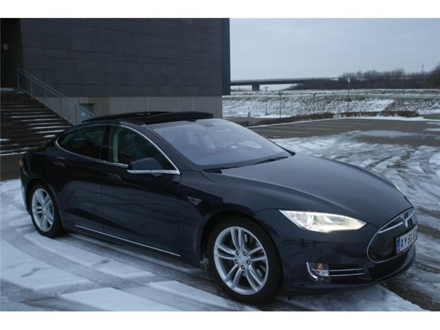 verkauft tesla model s gebraucht 2013 km in. Black Bedroom Furniture Sets. Home Design Ideas