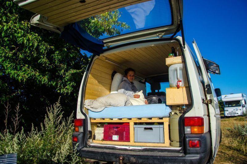 verkauft vw t4 vw bus camper ausbau i gebraucht 2001 km in hamburg alsterdorf. Black Bedroom Furniture Sets. Home Design Ideas