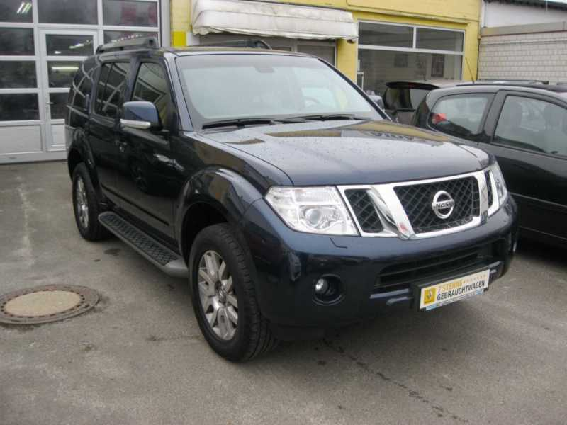 verkauft nissan pathfinder 2 5 dci aut gebraucht 2012 km in berlin. Black Bedroom Furniture Sets. Home Design Ideas