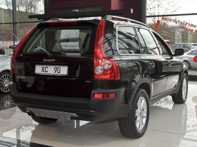 verkauft volvo xc90 v8 executive geart gebraucht 2005 km in krefeld. Black Bedroom Furniture Sets. Home Design Ideas