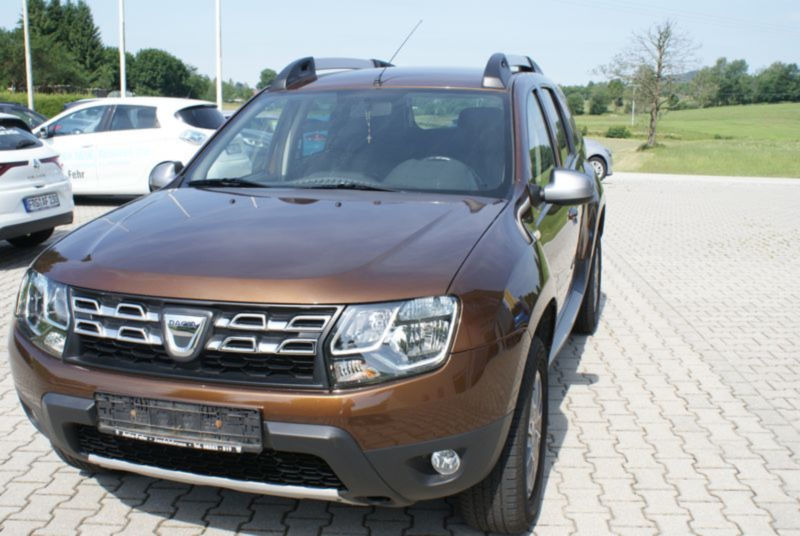 verkauft dacia duster tce 125 4x2 gebraucht 2014 km in schkopau. Black Bedroom Furniture Sets. Home Design Ideas