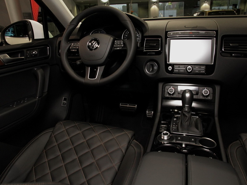 verkauft vw touareg executive edition gebraucht 2016 0 km in l beck. Black Bedroom Furniture Sets. Home Design Ideas