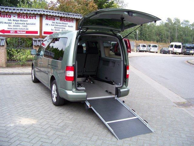verkauft vw caddy maxi rollstuhlrampe gebraucht 2010 km in. Black Bedroom Furniture Sets. Home Design Ideas